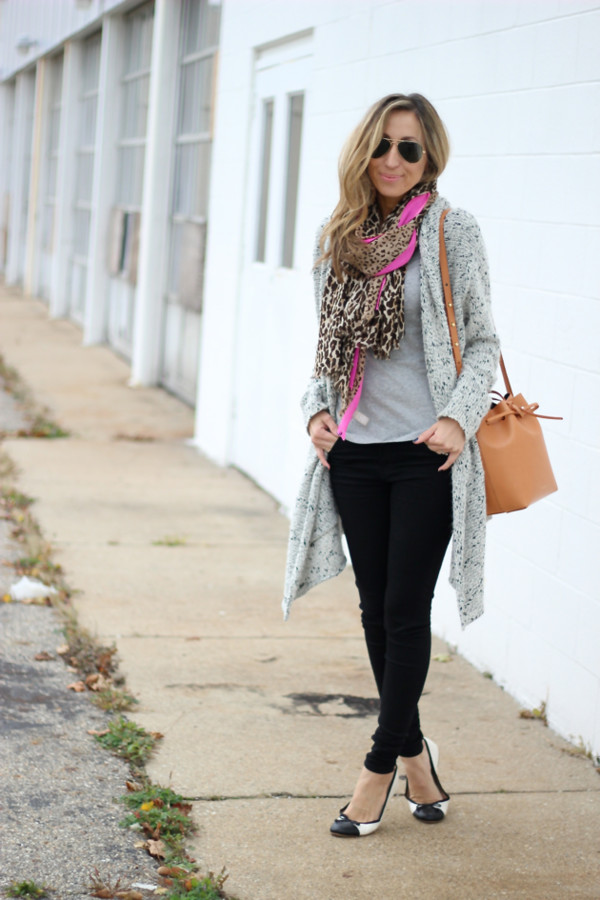 lilly's style blogger t-shirt scarf