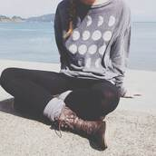 sweater,moon,grey,sweatshirt,hipster,top