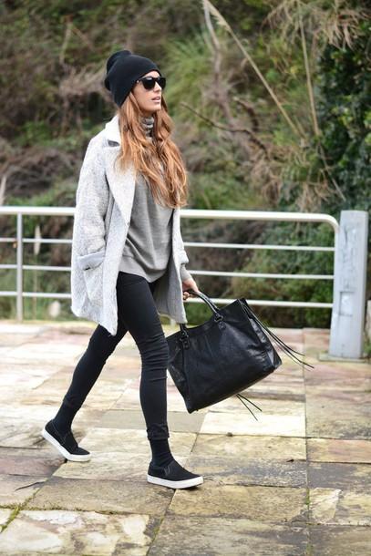 stella wants to die blogger boyfriend coat grey coat leather bag black bag coat shoes bag sweater hat