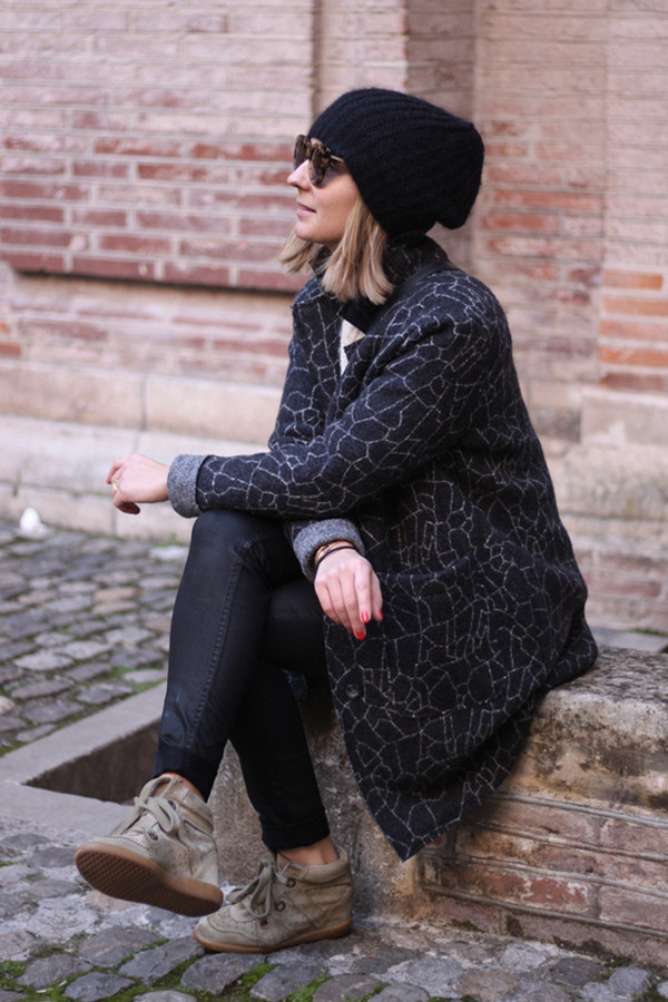 jane's sneak peak coat sweater jeans hat shoes sunglasses bag