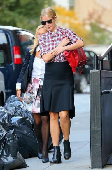 gwyneth paltrow shirt skirt fall outfits bag