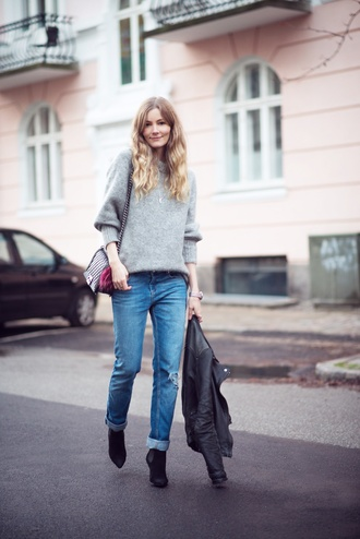 passions for fashion blogger sweater jeans shoes jacket bag jewels