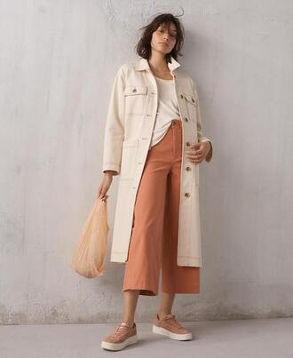 le fashion image blogger coat pants shoes sneakers bag spring outfits