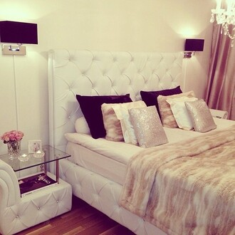 jewels bedroom luxury beige pillow chanel crystal white black silver