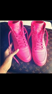 shoes,gucci sneaker,louis vuitton
