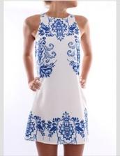 dress,blue white dress,tunic dress,blue and white,paisley,porcelain print,shift dress,summer dress,cute dress,style,white,blue,sleeveless,short,flowers,white dress