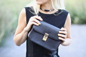 necklace,5 inch and up,black bag,jewels,bag