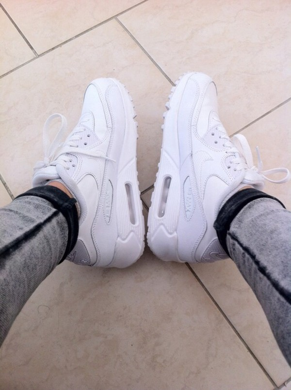 on sale 512ca a41c5 Nike Air Max 90 - Boys  Grade School at Footaction