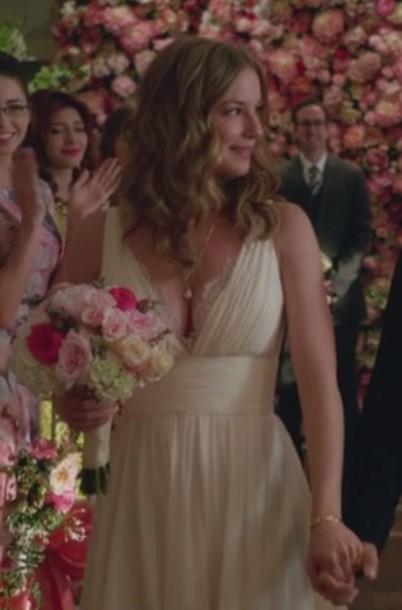 dress wedding white revenge emily thorne amanda clark emily vancamp