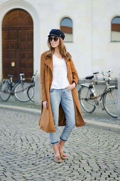 hat black hat white t-shirt brown coat skinny jeans blogger round sunglasses