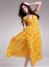 dress,yellow chiffon,v neck dress,flowy dress,flouncy dress,summer dress,asymmetrical hemline,www.ustrendy.com
