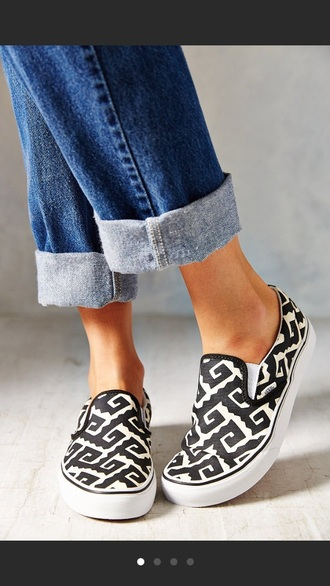 shoes black and white vans geometric