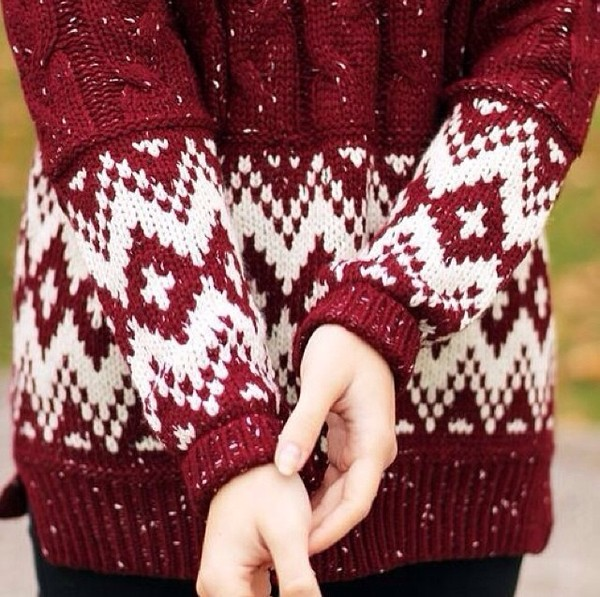 sweater red burgundy burgundy sweater winter sweater winter outfits knitted sweater knitwear knit holidays christmas sweater christmas red knit sweater white print holiday season cute red and white snowflake warm jumper white pattern tumblr red sweater