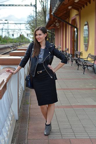 perla oreneta blogger skirt belt t-shirt jacket bag top shoes