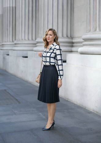 the classy cubicle blogger blouse jewels black skirt pleated skirt black and white button up black stilettos