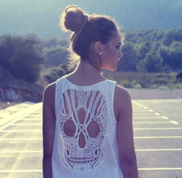 white skull tank top clothes top tanktop white tank top white tanktop skull tank top white skull summer jewelry jewels earrings pearl white earrings pearl earrings white pearl