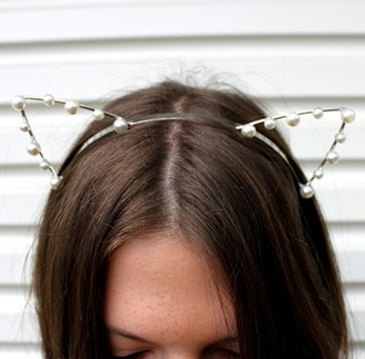 hair accessory on point clothing accessory accessories cat ear hat cat ears pearl white pearls cute girly hipster jewels women gorgeous fashionista girl cool instagram blogger pretty beautiful tumblr summer travel