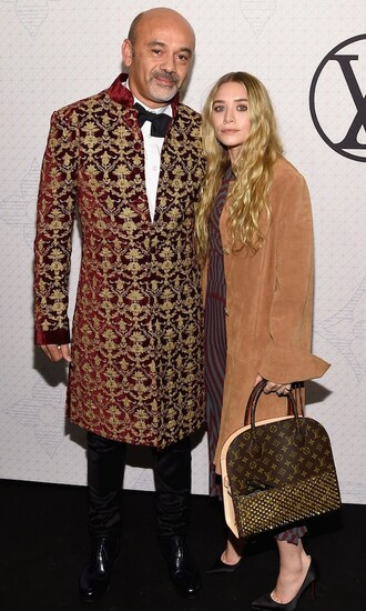 coat ashley olsen olsen sisters fall outfits bag menswear camel louis vuitton