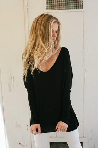 t-shirt neck long sleeves