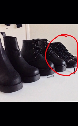 shoes booties boots sneakers black black shoes grunge tumblr studded tumblr outfit