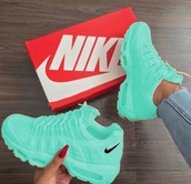 shoes,sneakers,green,blue,nike shoes,nike,nike running shoes,nike sneakers,casual,running shoes