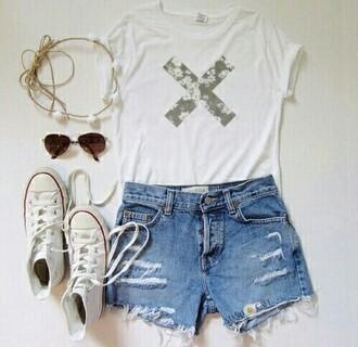 shorts converse white t-shirt jeans the xx hippie sunglasses