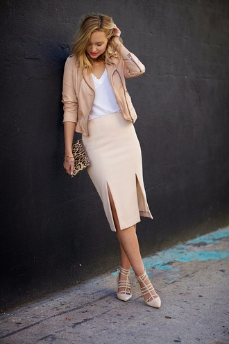 late afternoon blogger nude high heels leopard print pouch slit skirt nude white t-shirt jacket shirt skirt jewels bag