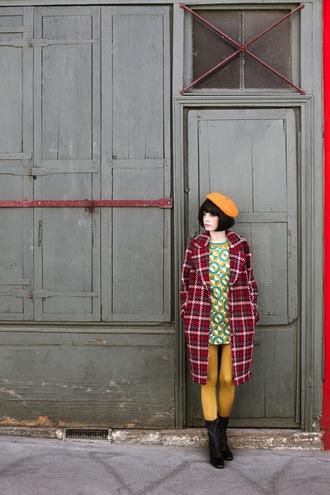 miss pandora blogger dress coat make-up shoes tights