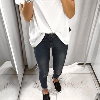 jeans white black pure clean white t-shirt white top black jeans black and white elegant fashion classy black slip ons shoes black shoes slip on shoes silver casual casual t-shirts t-shirt pants