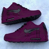 shoes,purple nike air max