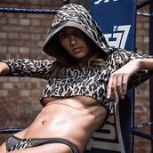 top,hoodie,bra,leopard print,wolf,crop,cropped hoodie,sexy,body,cute,style,outfit,fashion,lingerie,underwear,women,clothes