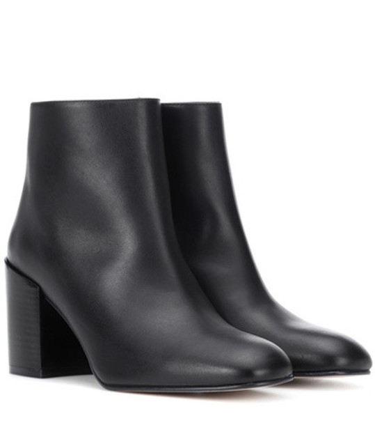Stuart Weitzman Coban leather ankle boots in black
