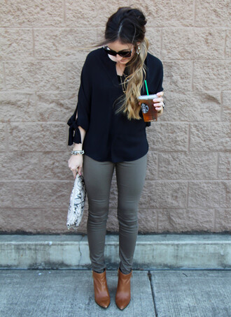 looks like rein blogger skinny pants black blouse annemerel