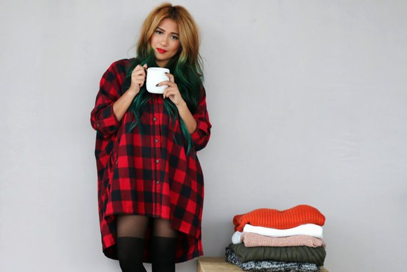 oversized blogger knee high socks the river wolf tights ombre hair flannel shirt flannel grunge