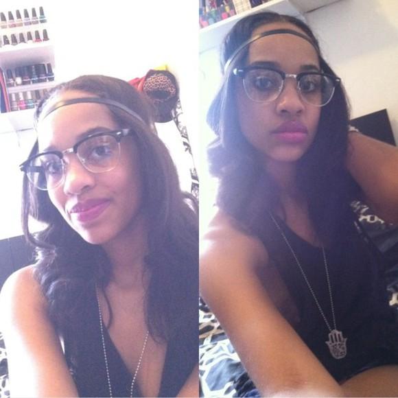 racerback tanktop jewels atomic pink lips black top glasses neklace