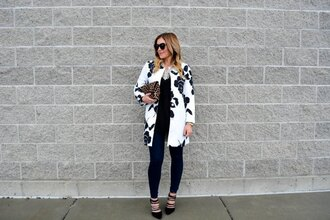 all dolled up blogger coat black and white streetstyle