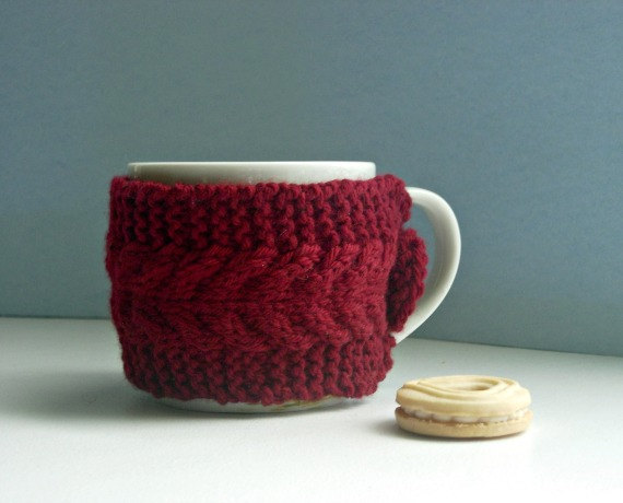 Tea cup cozy knit mug cosy red coffee cup sweater for Cup cozy pillow