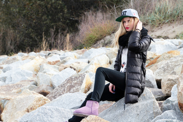 beauty fashion shopping jacket pants shoes bag scarf sweater