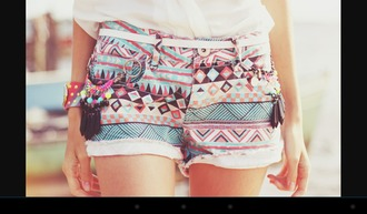 shorts aztec short aztec short tumblr cute hipster hippie pastel pastel shorts tirbal tribal print multicolor blue pink back black pattern geometric girly outfit