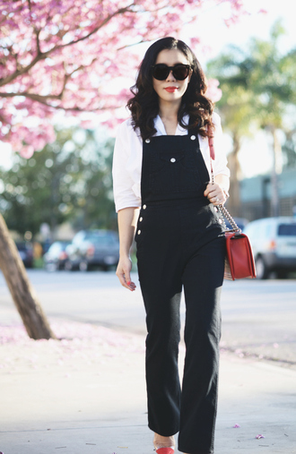 hallie daily blogger overalls white shirt red bag shirt bag sunglasses shoes jewels