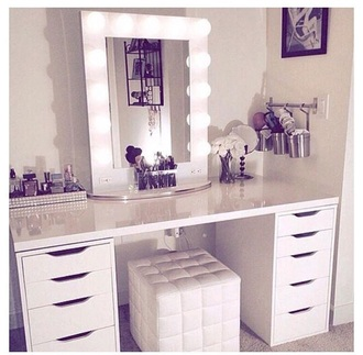 home accessory vanity vanity decor make-up makeup brushes white white decoration mirror