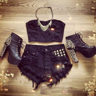jewels necklace shorts shoes top