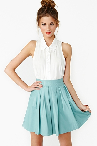 white skirt shirt blouse sleeveless clothes collar white button up top button up sleeveless shirt nastygal