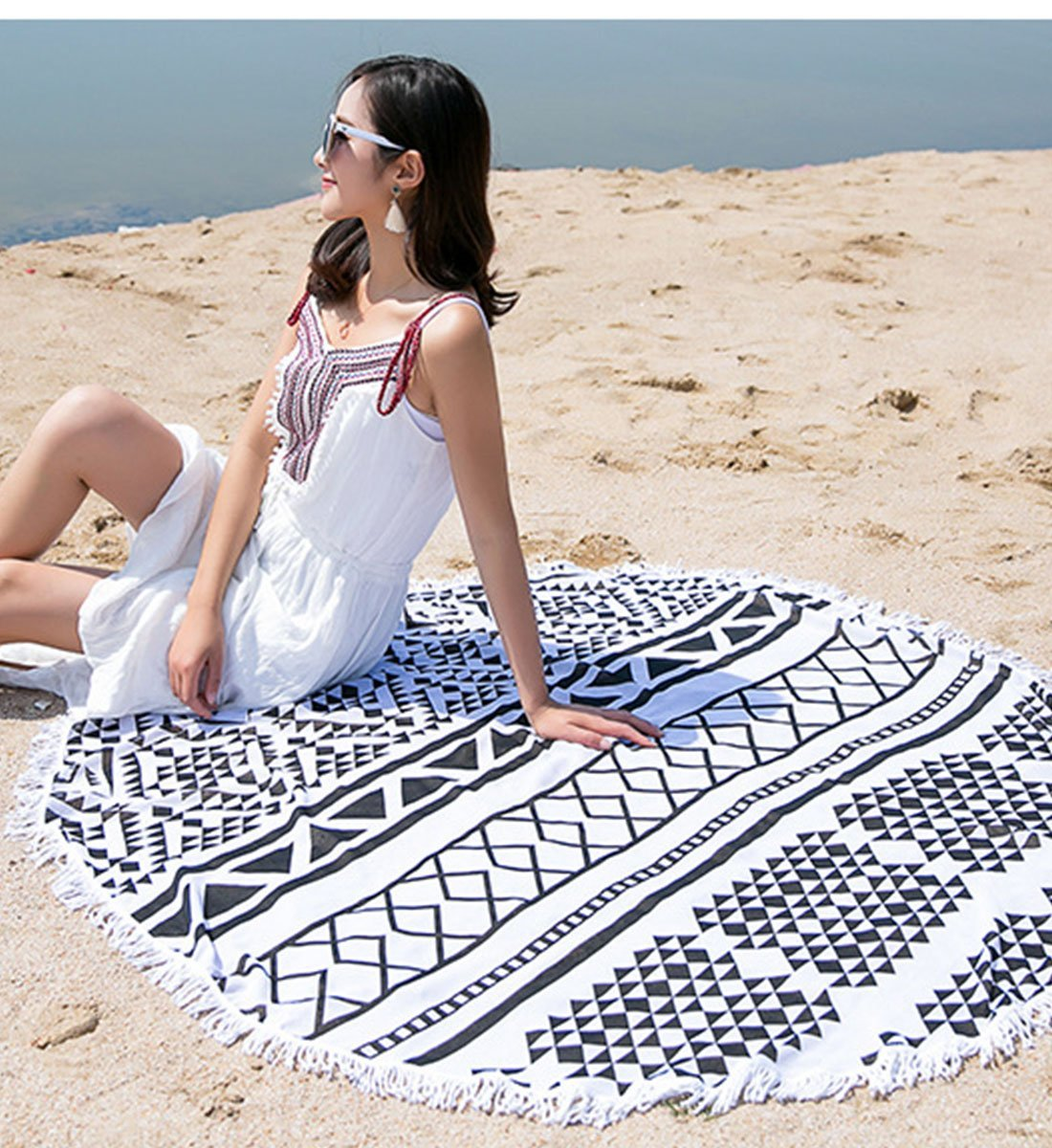 Amazon.com: Black and White Grid Printed Round Beach Mat Lightweight Chiffon Cover Up Dress with Tassel Bohemian Picnic Throw Towel Blanket (Same as Picture): Home & Kitchen