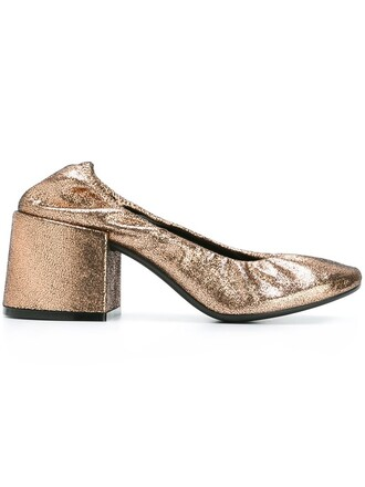 metallic pumps shoes