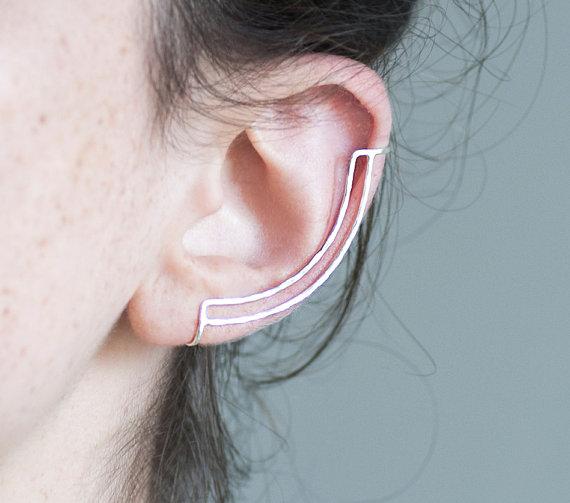 Sterling silver ear cuff. minimalist ear bar. hammered lines. no piercing.