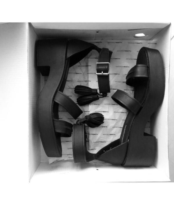 shoes sandals soft grunge black sandals black flats black shoes platform shoes fashion fashionista