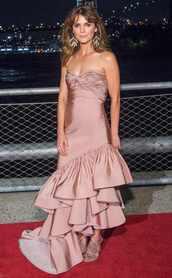 dress,gown,prom dress,ruffle,ruffle dress,keri russell,red carpet dress,bustier dress,shoes,mules