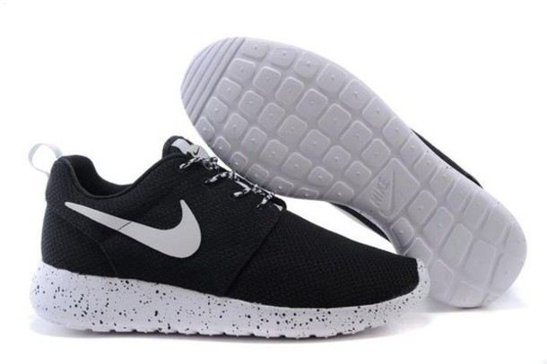 roshe run black and white speckled sole