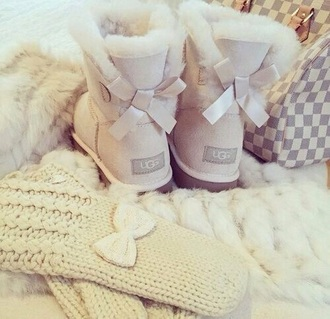 shoes cream ugg boots